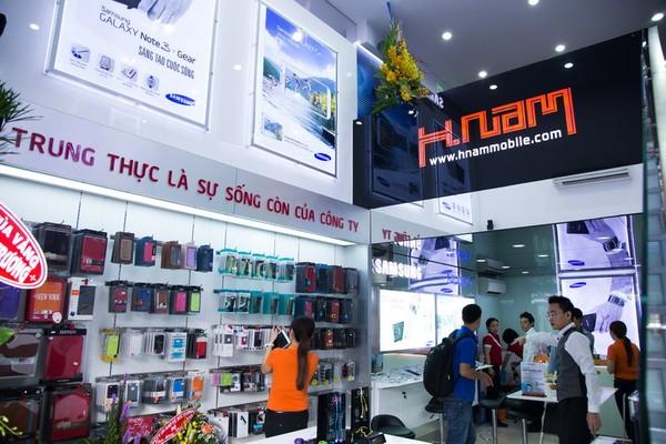Hình ảnh bên trong cửa hàng Hnam Mobile